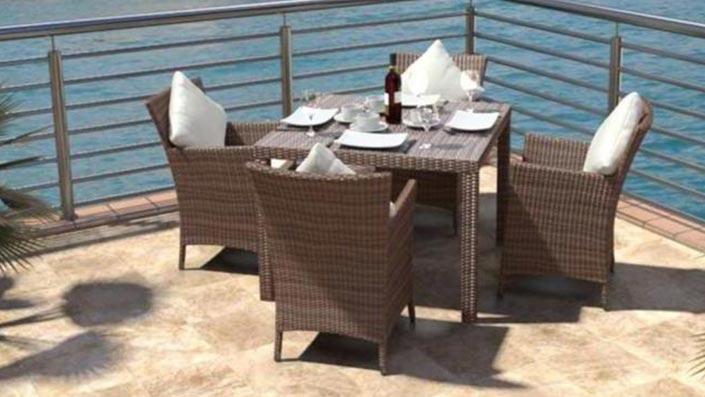 Ceres S - Ensemble table et chaises résine tressée