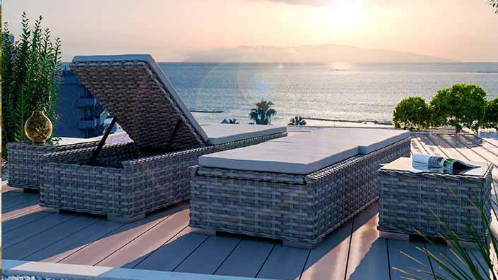 Ely L - 2 bains de soleil et 2 tables d'appoint