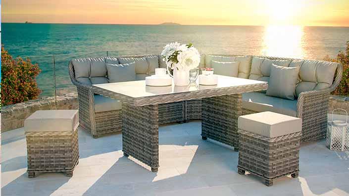 Enigma Dining (Enigma 2016) - Salon avec table à manger